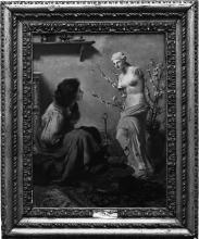 Nono, Figura femminile seduta e statua
